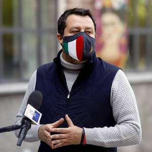 Salvini vira réu por sequestro em caso de migrantes