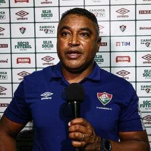 Em coletiva, Roger Machado fala sobre os três volantes: ...