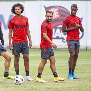 Flamengo divulga relacionados para encarar o Vélez em ...