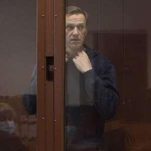 Navalny é transferido para hospital de prisão na Rússia