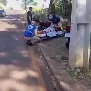 Motociclista fica ferido ao bater em poste no Bairro Santo Onofre