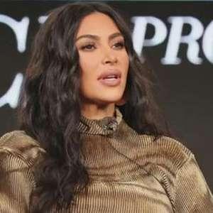 Kim Kardashian encontra presidiário no corredor da morte