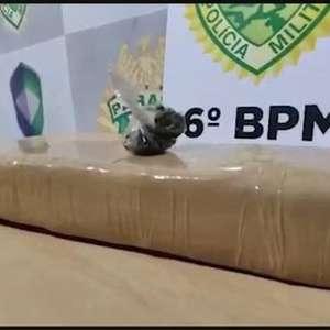 Adolescente é apreendido ao oferecer droga a policial à paisana