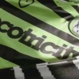 Clube de futebol lança camisas com resíduos de grãos de café