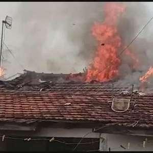 Criança coloca fogo em colchão e casa fica em chamas em Toledo