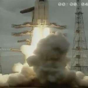 Índia lança missão à Lua para explorar polo sul do satélite