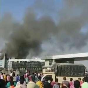 Vídeo: incêndio atinge fábrica de vacinas na Índia