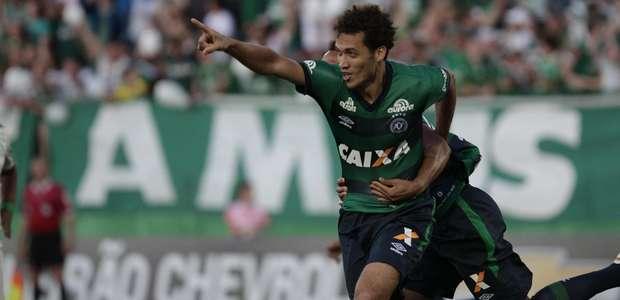 Chapecoense faz 5 a 1 e tira Palmeiras do G-4