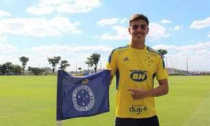 Cruzeiro ajusta contrato do zagueiro Weverton, de 18 anos