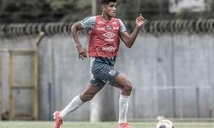 Quem é o meia clássico que deve estrear pelo Santos neste domingo