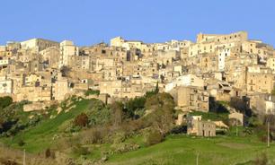 Cidade italiana relança projeto para vender casas a 1 euro