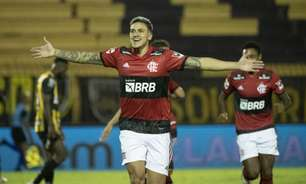 Flamengo goleia o Volta Redonda e 'põe o pé' na final