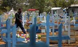 Média de mortes diárias por covid cai 28% em um mês no país