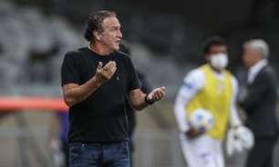 Cuca apresenta cálculo para brigar pelo título, minimiza derrota para o Fortaleza: 'cinco jogos sem perder'