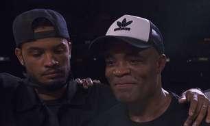 Anderson Silva impressiona e vence ex-campeão mundial