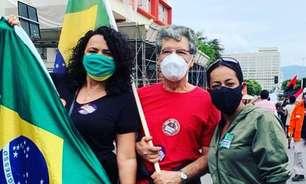Artistas protestam contra marca de 500 mil mortes por covid-19