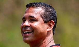 Ex-técnico do Vitória, Rodrigo Chagas elogia nomes da base e faz agradecimento