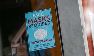 EUA voltam a pedir máscaras em locais fechados a vacinados