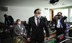 Deputado é retirado da CPI acusado de intimidar senadores