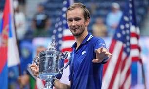 Medvedev derruba Djokovic e vence US Open