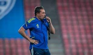 Bateu no braço? Veja o gol do Cruzeiro anulado contra o Operário e a expulsão de Vanderlei Luxemburgo