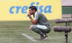 Abel assume culpa por 2º tempo ruim do Palmeiras e explica inversão de zagueiros: 'Às vezes sou idiota'