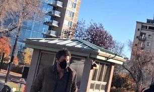 Pedro Pascal aparece vestido de Joel em foto de The Last of Us