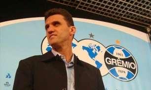 Na primeira passagem pelo Grêmio como treinador, Mancini foi demitido mesmo invicto
