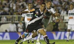 Três vezes seguidas: vitória, goleada sofrida e título nacional marcaram o Vasco contra o Coritiba há dez anos