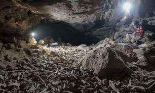 A macabra pilha de ossos humanos descoberta em caverna na Arábia Saudita