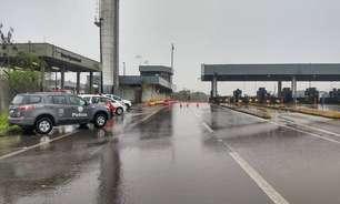 SP: quadrilha fecha rodovia, assalta pedágio e foge de barco