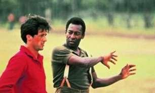 """Sylvester Stallone sobre chute de Pelé: """"Quebrou meu dedo"""""""