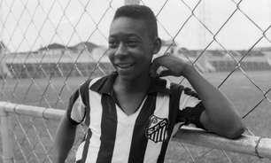 Pelé, 81 anos: o 'Rei' veste pela 1ª vez a camisa do Santos