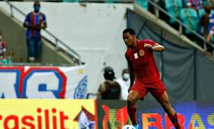Atacante Ronaldo comemora triunfo do Bahia que resultou na saída do Z-4