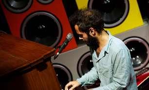 Marcelo Jeneci e parceiros se apresentam no Terra Live Music