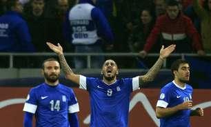Recuada, Grécia empata com Romênia e se classifica para Copa de 2014