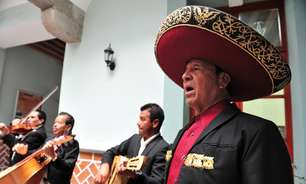 Happy hour ao som de mariachis é atração em praça de Puebla