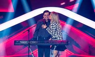 Sensação no The Voice, cantor cego compôs hit dos Travessos