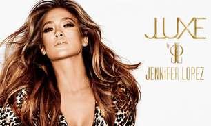 Jennifer Lopez posa com decotão para lançar novo perfume