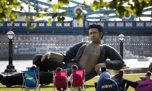 Jeff Goldblum ganha estátua pelos 25 anos de 'Jurassic Park'