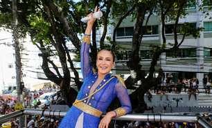 Vestida de soldado, Claudia Leitte puxa trio em Salvador
