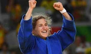 Médica e campeã olímpica, argentina combate a covid-19