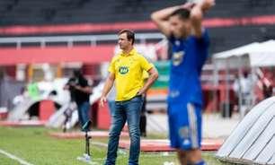 Felipe Conceição analisa derrota do Cruzeiro e crItica gramado: 'atrapalhou muito a nossa performance'