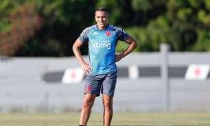 Autor de assistência no Vasco, Léo Jabá voltou a jogar ao menos 45 minutos após mais de um ano e meio