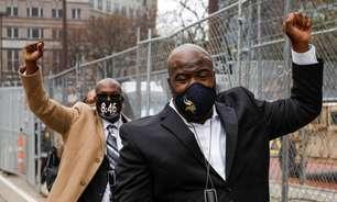 """Promotores do caso George Floyd pedem a jurados: """"acreditem em seus olhos"""""""