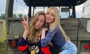 """Sabrina Carpenter compartilha fotos dos bastidores de """"Crush à Altura 2"""""""