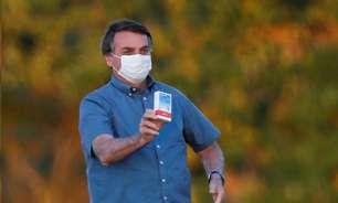 Bolsonaro cria divisões e distrai população com 'populismo sanitário' na pandemia, diz cientista político