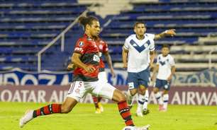 Destaque na vitória sobre o Vélez, Arão atinge marca importante e entra em lista seleta do Flamengo