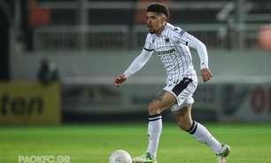 PAOK, de Douglas Augusto, vence Aris e assume vice-liderança do Campeonato Grego
