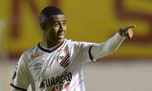 Fora de casa, Athletico-PR surpreende e derrota o Aucas pela Sul-Americana